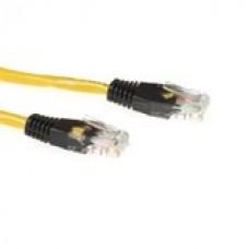 CAT5E UTP cross-over patchkabel geel met zwarte tules